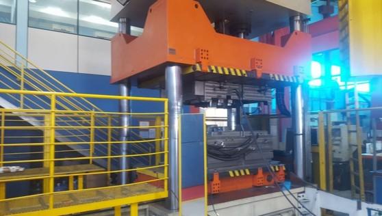 Preço de Prensa Hidráulica Industrial Araras - Prensa Hidráulica Industrial