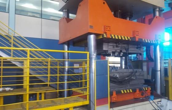 Valor de Prensa para Fechamento de Moldes Araçatuba - Prensa Hidráulica Industrial